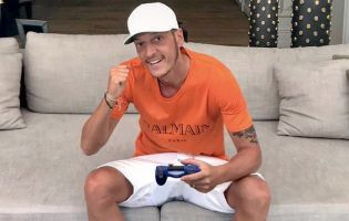 Mesut Özil is forming his own FIFA esports team