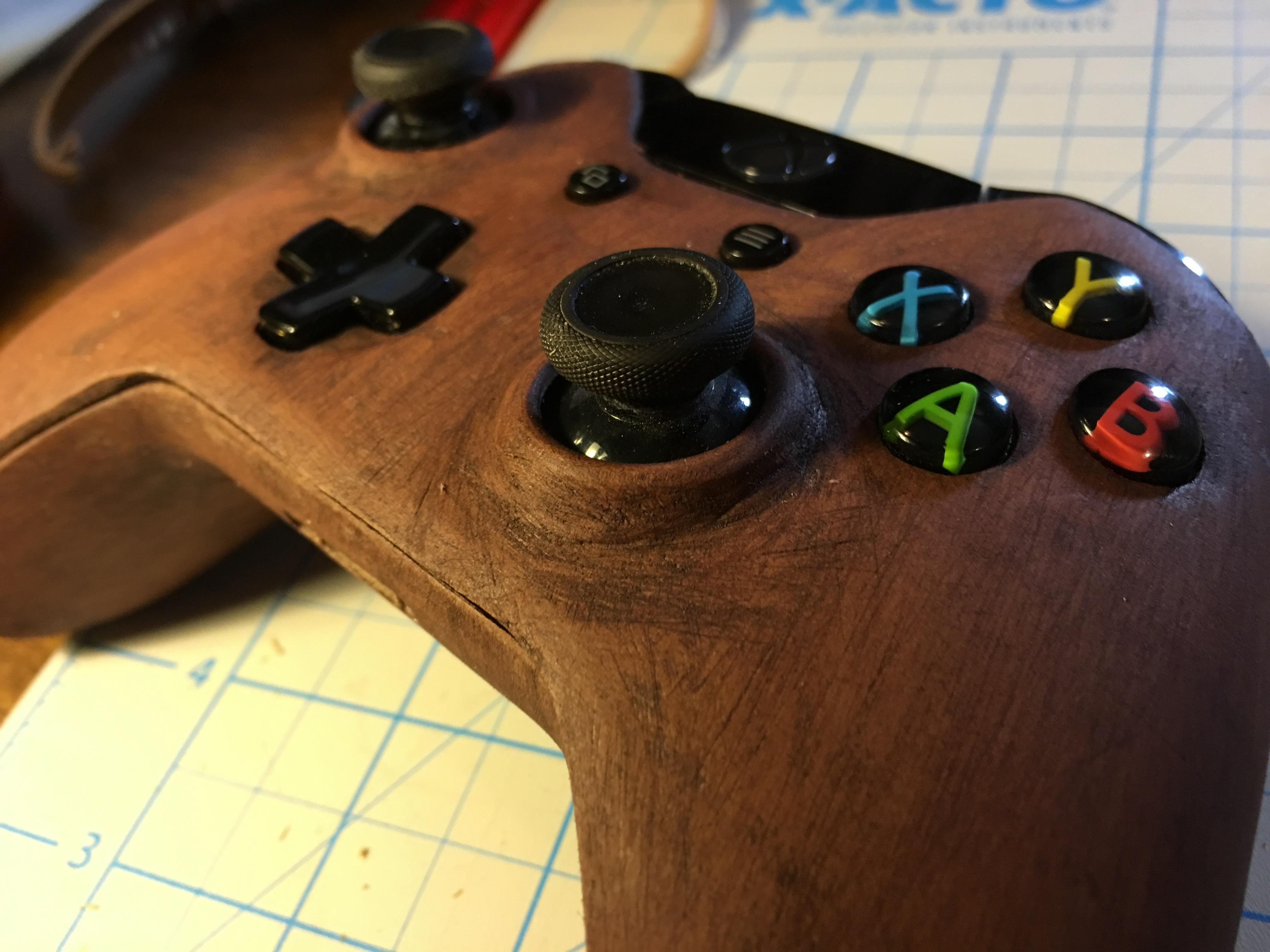 Pictures of Gorgeous wooden 3D printed Xbox One controller 1/1