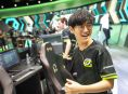 CLG recruits League of Legends player Crown