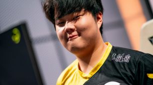 Huni reportedly signs $2.3 million USD contract extension