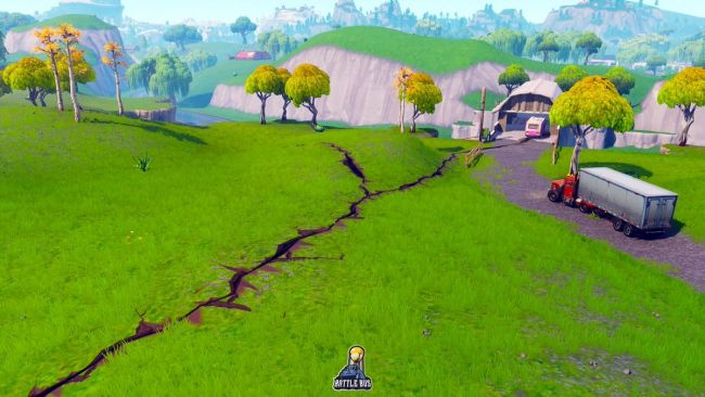 Cracks appearing in Fortnite ahead of its next season