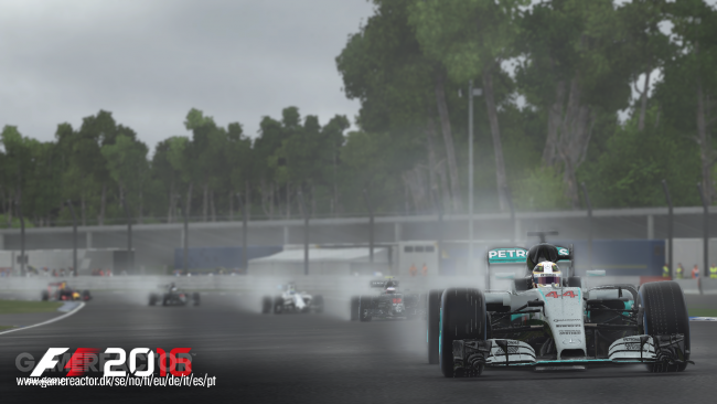 Hockenheim shown off in new F1 2016 screens and hot lap