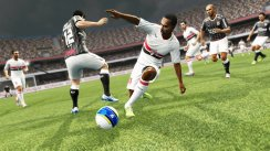 PES 2013 gets DLC, updates