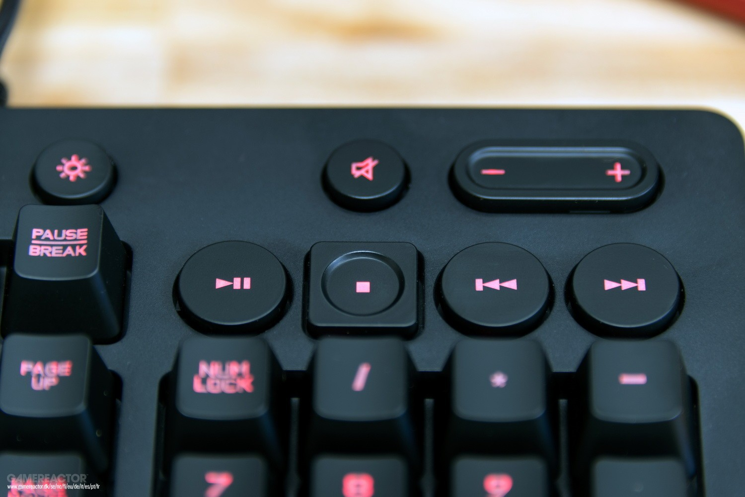 Mouse and keyboard support landing on Xbox One - - Gamereactor