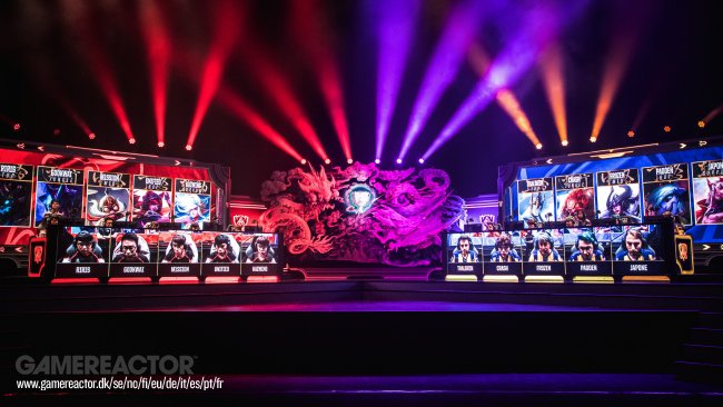 Worlds set back by an hour on day three