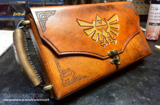 Check out this beautiful Zelda-case for your Switch