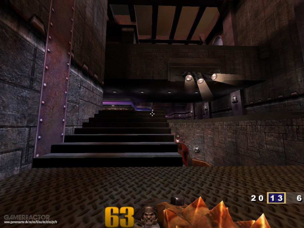 Pictures of Quake III Arena vs Quake Champions stage comparison 4/14