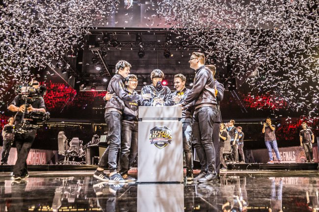 Crowdfunding nearly doubles LoL Worlds' prize pool