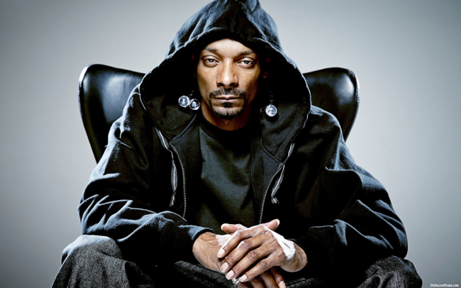Snoop Dogg streamed Mortal Kombat 11, celebrating its launch